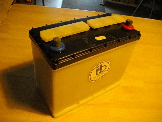 oldtimer autobatterie batterie fiamm 12v 45ah 210a din. Black Bedroom Furniture Sets. Home Design Ideas