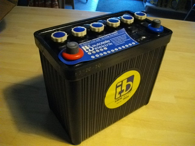 oldtimer autobatterie batterie varta 12v 44ah 180a 544 32. Black Bedroom Furniture Sets. Home Design Ideas