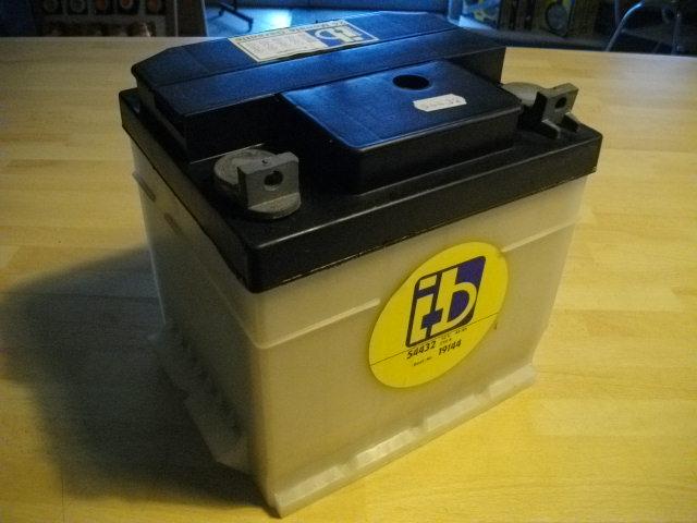 oldtimer autobatterie batterie dynalite 12v 36ah 175a vw. Black Bedroom Furniture Sets. Home Design Ideas